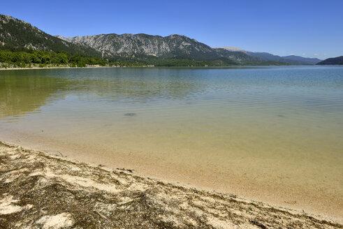 Turkey, Isparta Province, Pisidia, Taurus Mountains, Beach at Kovada Lake National Park - ES001190