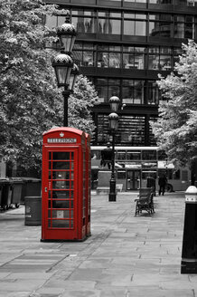 UK, London, red old telephone box in the city - ODF000705