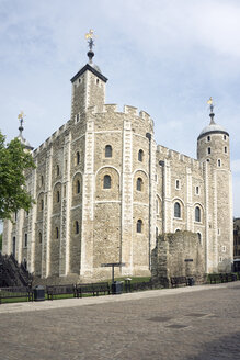 Great Britain, England, London, White Tower and Ruin of Wardrobe Tower - WEF000152