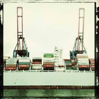 Container ship in port, offshore terminal, Hamburg Hamburg, Germany - SE000737