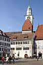 Germany, Baden-Wuerttemberg, Ueberlingen, Hofstatt square with Townhall and St Nicholas' Minster - WIF000793