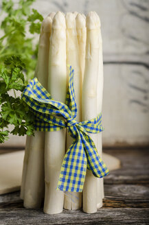 Bunch of white asparagus, Asparagus officinalis - ODF000755