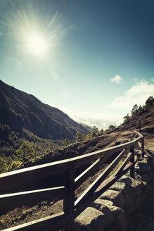 Spain, Canary Islands, La Palma, Caldera de Taburiente National Park, Lomo de Las Chozas viewpoint - MEM000247
