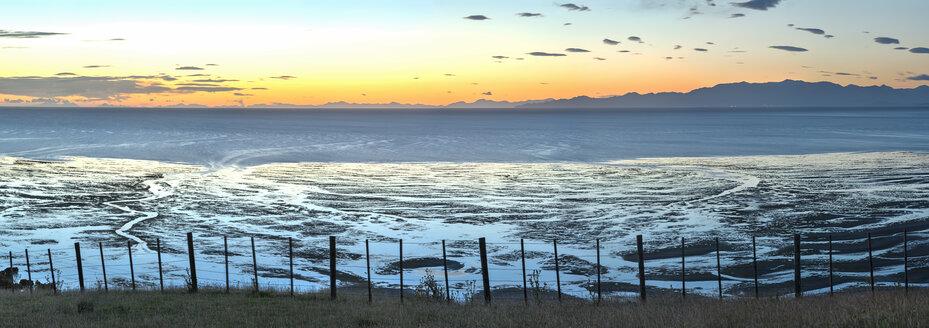 New Zealand, Golden Bay, Puponga, dusk in Golden Bay - SHF001478