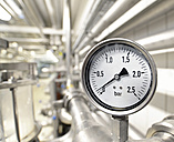 Germany, pipeworks and pressure gauge of a brewery - SCH000282