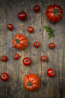 Different tomatoes, Oxheart tomatoes, Cherry tomatoes and Bunch tomatoes - LVF001467