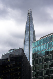 England, London, Southwark, view to 'The Shard' at More London Riverside - WEF000166