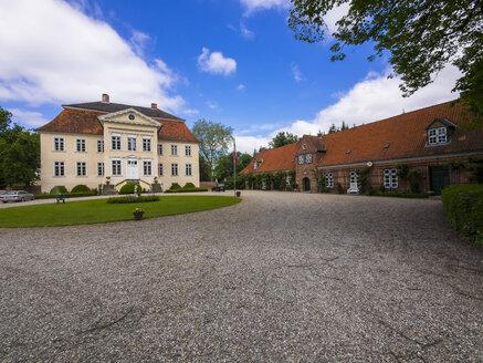Germany, Schleswig-Holstein, Altenkrempe, Manor Hasselburg, Mansion - AM002434