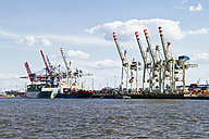 Germany, Hamurg, ship and cranes at container terminal Tollerort - KRP000608