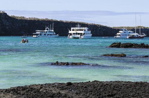 Ecuador, Galapagos, Genovesa, Cruise ships in front of island - CB000347