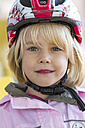 Portrait of little girl with cycling helmet - JFE000454