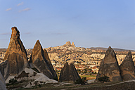 Turkey, Cappadocia, fairy chimneys at Goereme National Park in front of the villages Goereme and Uchisar - SIEF005522