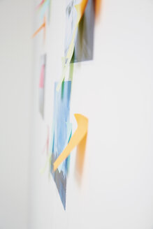 Wall with adhesive notes - STKF000922
