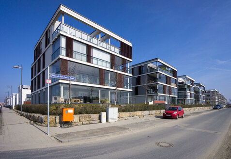 Germany, Hesse, Frankfurt Riedberg, view to modern multi-family houses - JWAF000137