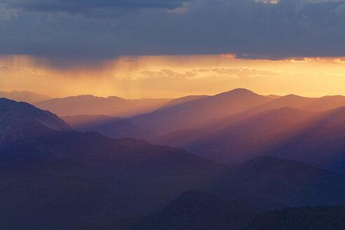 Turkey, Anatolia, sunset on Mount Nemrut - SIE005542