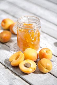 Apricot jam and apricots, Prunus Armeniaca - MAEF008578