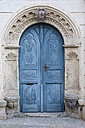 Germany, Saxony, Meissen, blue old entrance door in the historical city center - ELF001108