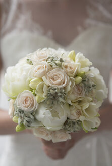 Bride holding bridal bouquet - HLF000627