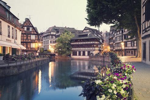 France, Strasbourg, River Ill in district Petite France at Place Benjamin Zix - MEMF000264