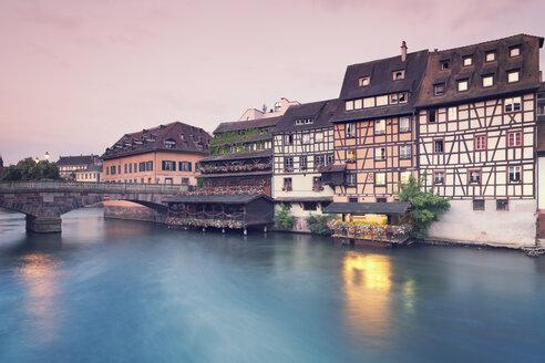 France, Strasbourg, Pont Saint Martin over River Ill in district Petite France - MEMF000266