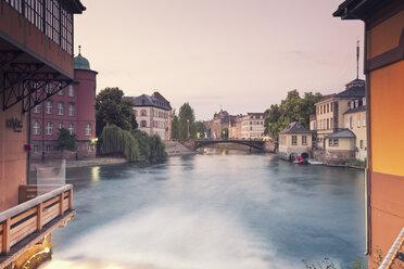 France, Strasbourg, barrage of River Ill at Place des Moulins - MEMF000268