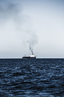 Spain, Andalusia, Tarifa, Oil tanker, Strait of Gibraltar - KB000057
