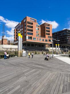 Germany, Hamburg, HafenCity, Magellan-Terrassen, Sandtorkai, Modern residential and office buildings - AM002486