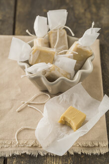 Homemade toffees in wrapping paper - ECF000708