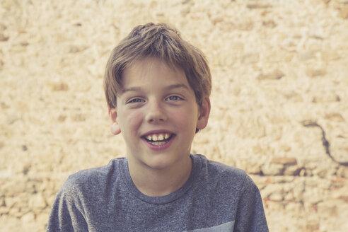 Portrait of a smiling boy - LVF001633