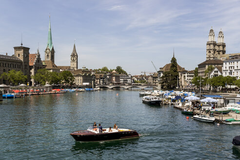 Switzerland, Zurich, view to Limmat River with Frauenmuenster, St Peter and great minster in the background - EJW000439
