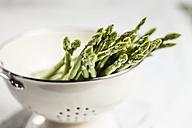 Green asparagus in colander - SBDF001006