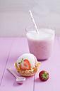 Strawberry icecream and milkshake - ECF000727