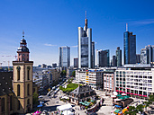 Germany, Hesse, Frankfurt, View to financial district with Commerzbank tower, European Central Bank, Helaba, Taunusturm, Hauptwache and St. Catherine's church - AMF002551