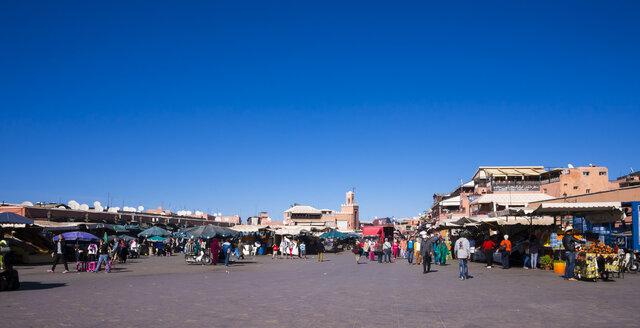 Africa, Morocco, Marrakech, Market at Djemaa el-Fna square - AM002550