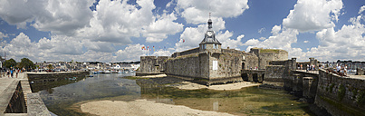 France, Bretagne, Finistere, Concarneau, Old town Ville close, Panorama - DHL000468