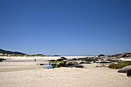 Spain, Galicia, Praia de Carnota, beach at Costa da Morte - LAF001063
