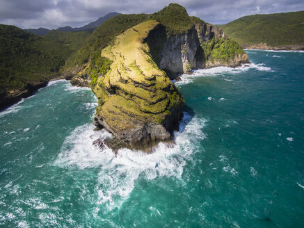 Caribbean, St. Lucia, aerial view of Chaloupe Bay - AMF002576
