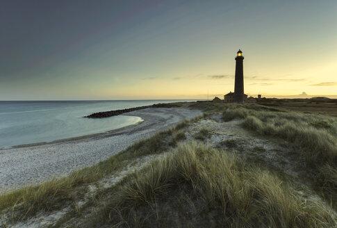 Denmark, Skagen, lighthouse at the beach - HCF000052