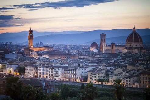 Italy, Tuscany, Florence, Cathedral Santa Maria del Fiore and Palazzo Vecchio - SBDF001076
