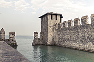 Italy, Lombardy, Sirmione, harbour and city walls - SBDF001083