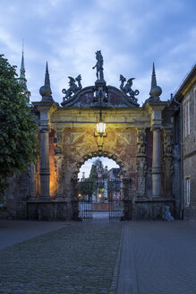 Germany, Lower Saxony, view to entrance portal of Bueckeburg Castle at twilight - PVC000036