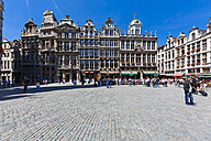 Belgium, Brussels, view to guildhalls at Grand Place - AMF002598