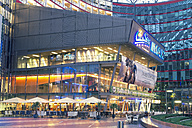 Germany, Berlin, piazza of Sony Center with lighted cinema - MEM000372