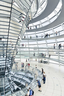 Germany, Berlin, inside view of glass dome of Reichstag - MEM000376