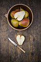 Organic pears, Trout pears, Pyrus Communis - LVF001679