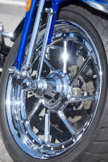 Front wheel of a Harley Davidson - JWA000180