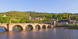 Germany, Baden-Wuerttemberg, Heidelberg, Old town, Old bridge, Church of the Holy Spirit and Heidelberg Castle - WDF002519