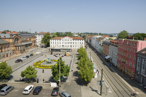 Germany, Schwerin, station square - MY000505