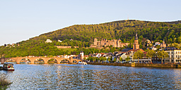 Germany, Baden-Wuerttemberg, Heidelberg, View to Old town, Old bridge, Church of the Holy Spirit and Heidelberg Castle - WDF002572