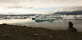 Iceland, Jokurlsarlon, glacier lake in the evening - FC000453